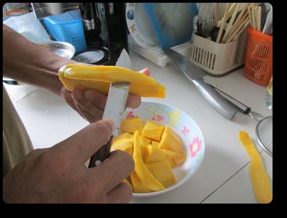 プーケットのマンゴーの剥き方8