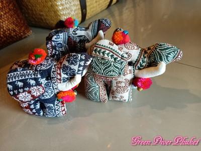 プーケット タイ雑貨 子象の置物