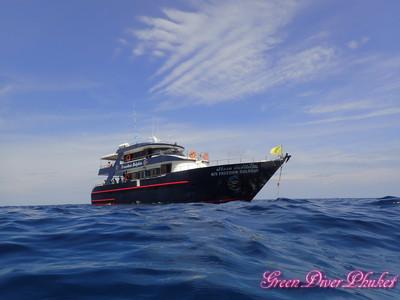 プーケット ダイビングボート フリーダムドルフィン